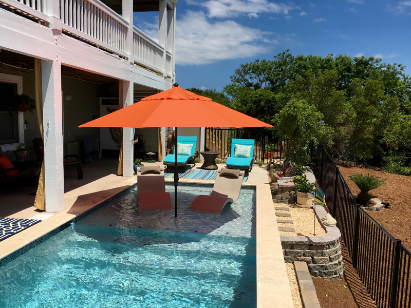 Caribbean pools and spas for the finest pools and spas for Pool design with tanning ledge